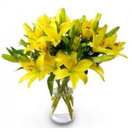 Ваза с 9 желтыми лилиями